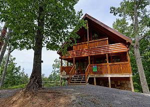 CITY BEAR  #212 2 Bedroom, 2 Bathroom Log Cabin with Beautiful Mountain Views and Game Room