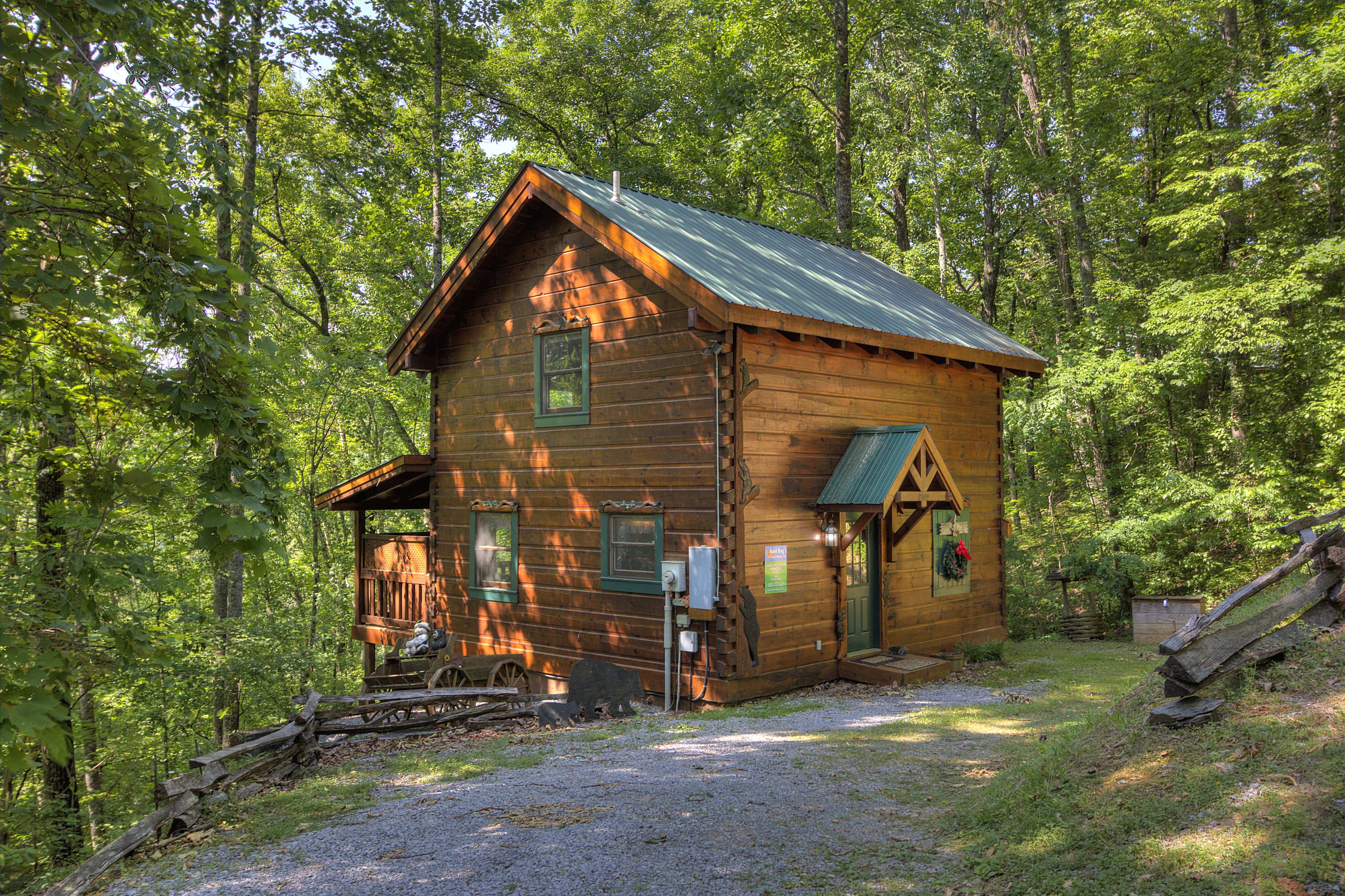 tennessee forge rental fireside two pet mountain pigeonforgetwobedroomcabinrentalthumb pigeon and secluded cabins friendly bedroom caneycreekmountaincabins chalets cabin smoky