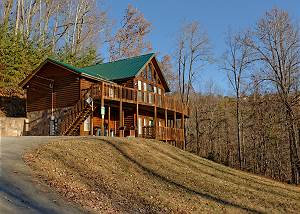 LIFE OF LUXURY #12 8 Bedroom Private Log Cabin Lodge in The Smoky Mountains for Large Groups