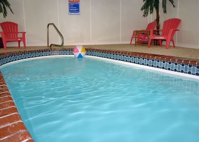 Skinny dippin 39 261 2 bedroom cabins pigeon forge for Pool design kg