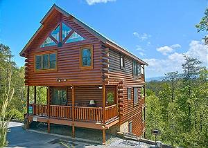 TIMELESS VIEW #340 Three Bedroom Cabin with a Gorgeous Mountain View and a Large Game Room