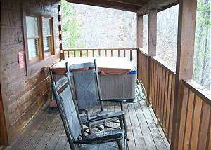 KOUNTRY BEARS & HONEY - 211 2 Bedroom, 2 Bathroom Log Cabin with Beautiful Mountain Views and Game Room