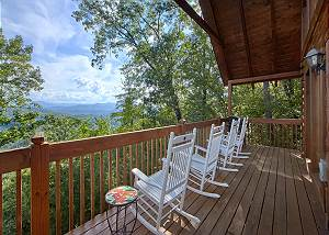 A VIEW FOR ALL SEASONS #405 Smoky Mountain 4 Bedroom Cabin with Pool Table, WiFi, X-box & Play Station 4