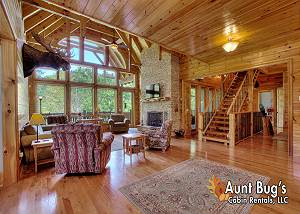 BIRDS CREEK MANSION #650 The perfect retreat just minutes from downtown Pigeon Forge and Gatlinburg!