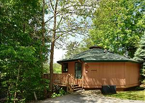Mountain Memory #711 2 Bedroom Smoky Mountain Chalet with Hot Tub, Close to Downtown Gatlinburg