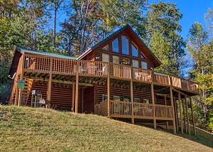 Life Of Luxury #12 Gatlinburg's Luxury Log Cabin Lodge near Downtown with privacy & pool access!