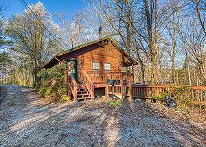 FOUR SEASONS #193 1 Bedroom Cabin Behind Gatlinburg, 15 minutes to Pigeon Forge with Hot Tub