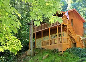 Whispering Waters #208 Large 2 bedroom Luxury Cabin Wears Valley, Pigeon Forge TN Close to town