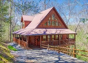 SHAMROCK LODGE #215 Luxury Log Home in Gated Resort near Gatlinburg & Pigeon Forge with Game Room
