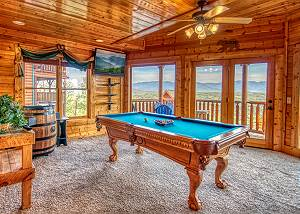 TENNESSEE TREASURE #232 Pigeon Forge log cabin with incredible mountain views & swimming pool access!