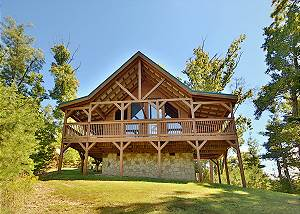Dare To Bear #238 Two Bedroom Pet Friendly Smoky Mountain Cabin with Views, Pool table, Privacy