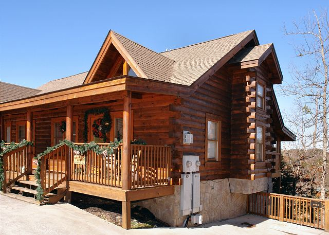 Almost Bearadise 2 Bed 3 Bath Cabin Acorn Cabin Rentals