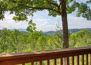 A Smoky Mountain Dream #291 Smoky Mountain Log Cabin Rental with Panoramic Mountain View and Hot Tub
