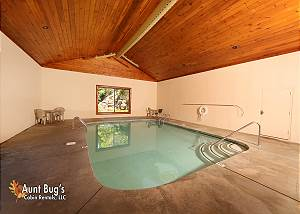 ABSOLUTELY WONDERFUL #304 Pigeon Forge Resort Cabin with Pool Access, Hot Tub, Jacuzzi and Hot Tub
