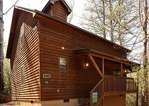 Mountain Hideaway #338 2 Bedroom Mountain Cabin Rental with Hot Tub, Close to Downtown Gatlinburg