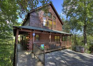 Can't Bear To Leave #455 Four BR Private Log cabin with pool access, movie theater,close to PF Parkway