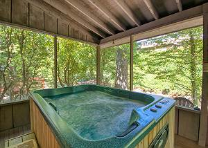 RIVER DREAM #466 2 Bedroom Smoky Mountain Riverside Cabin with Hot Tub Close to Downtown