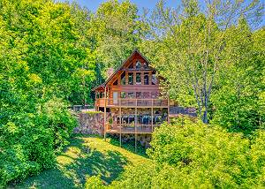 Hillbilly Hilton #525 5 Bedroom Smoky Mountain Cabin with Hot Tub, Close to Downtown Gatlinburg