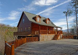REDNECK RITZ #724 Seven Bedroom Gatlinburg Luxury Cabin with Majestic Smoky Mountain Views!