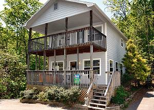Angel's Roost #1320 Two Bedroom Gatlinburg Chalet with Mountain Views, Pool Table and Hot Tub