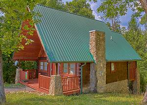 HIDDEN ROMANCE #1404 Romantic 1 Bedroom Pigeon Forge Cabin with pool table, Big screen TV, & views
