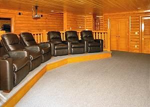 BIG BEAR CINEMA #510 5 Bedroom Smoky Mountain Cabin with Theater Room, Pool Access and Hot Tub