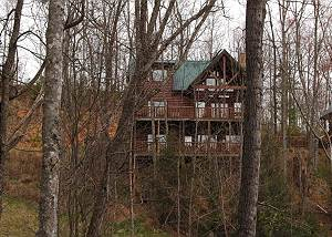 BUCK NAKED LODGE #327 Smoky Mountain 3 Bedroom Resort Cabin with Jacuzzi Tubs, Pool Table, Hot Tub