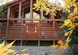 A Ramblin Rose #213 2 bed large cabin, Game Room, Flat Screens, between Gatlinburg & Pigeon Forge