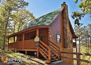 KOUNTRY BEARS & HONEY #211 2 Bedroom, 2 Bathroom Log Cabin with Beautiful Mountain Views and Game Room