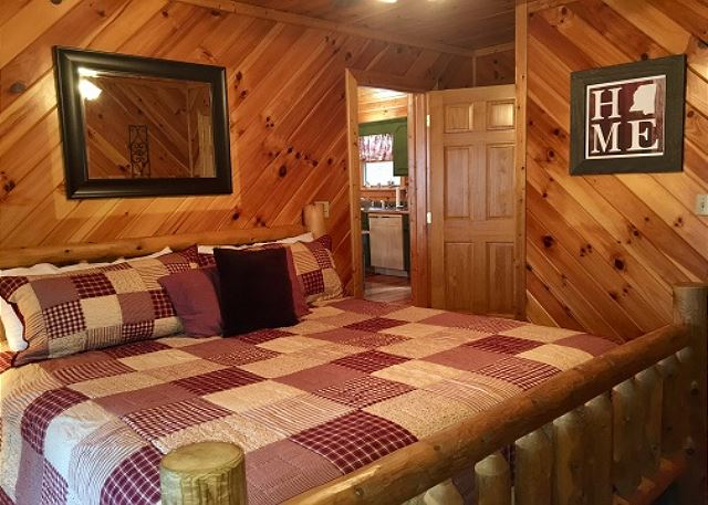 Pigeon forge cabin rental rooster ridge cabin 231 2 bedroom for 2 bedroom hotels in pigeon forge