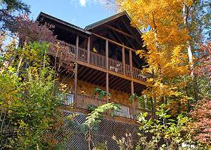 MOUNTAIN TOP VIEW #1612 Close to Downtown Gatlinburg 3 bedroom Resort Log Cabin with Mountain Views