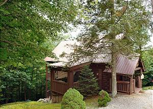 CHEROKEE ROSE 295 Secluded 2Bedroom Cabin,Pool Table, Hot Tub close to downtown Pigeon Forge TN
