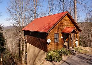 CHERISHED MEMORY #127 1 Bedroom Cabin Between Gatlinburg and Pigeon Forge with Mountain Views