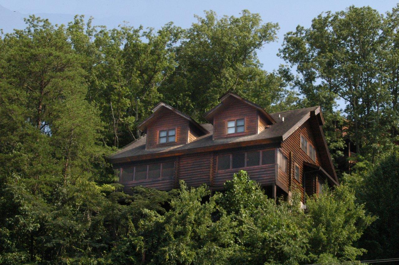PIGEON FORGE Cabin Rental DOLLYS DREAM 284 2 Bedroom
