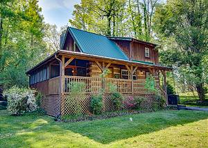 Angler's Perch #2523 Downtown Gatlinburg Log Cabin with Video Arcade Game & Private Hot tub