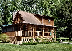 ANGLER'S PERCH #2523 2 Bedroom Cabin Within Walking Distance to Downtown Gatlinburg and Trolley
