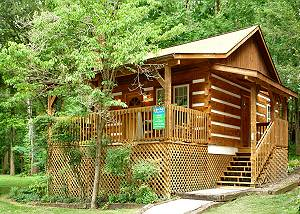 DREAM WEAVER #1527 Romantic, Pet-Friendly Gatlinburg Cabin 1 mile to Great Smoky Mountain Park