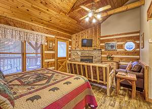 PUPPY LOVE #1619 Romantic Gatlinburg Log Cabin near Downtown Shopping, Restaurants, & Park!
