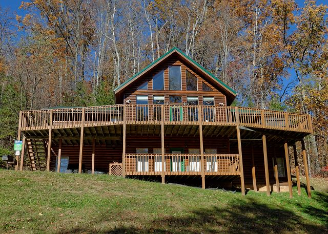 Life Of Luxury #12 | 8 Bedroom Cabins | Pigeon Forge Cabins ...