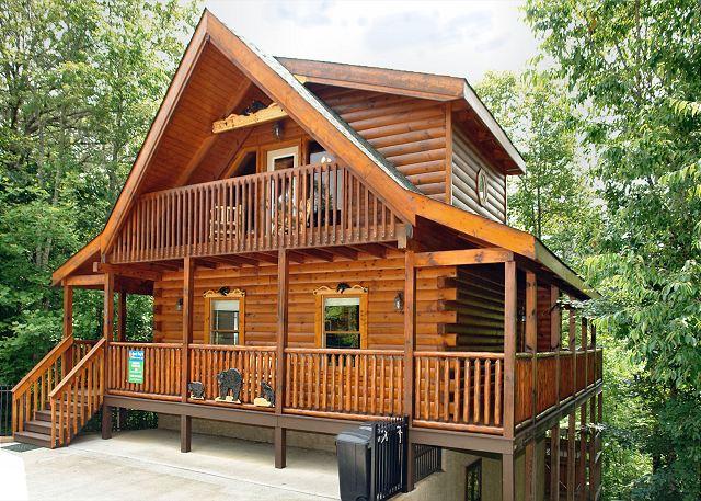 Boulder bear lodge 3 bed 3 bath cabin acorn cabin rentals Getawaycabins com