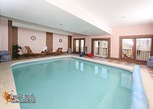 SWIMMIN WITH BEARS #375 3 Bedroom Private Indoor Swimming Pool Cabin with Home Theater and Pool Table
