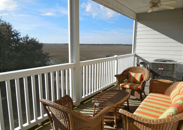 Screened-in Porch w/Marsh Views