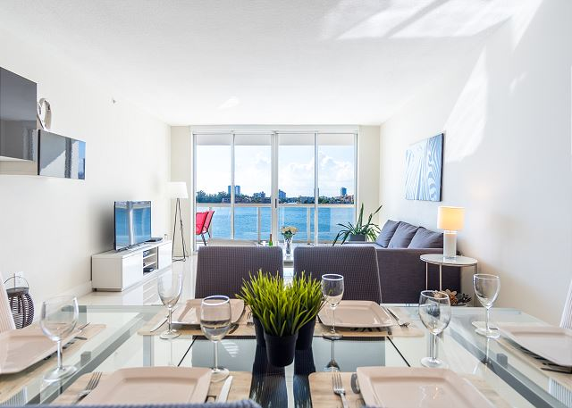 G. Bay Premium 406 | 2 Bed 2 Bath, Amazing Intracoastal Views!