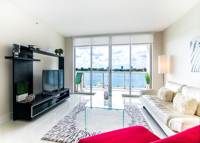 G. Bay Premium 408 | 2 Bed 2 Bath, Amazing Intracoastal Views!