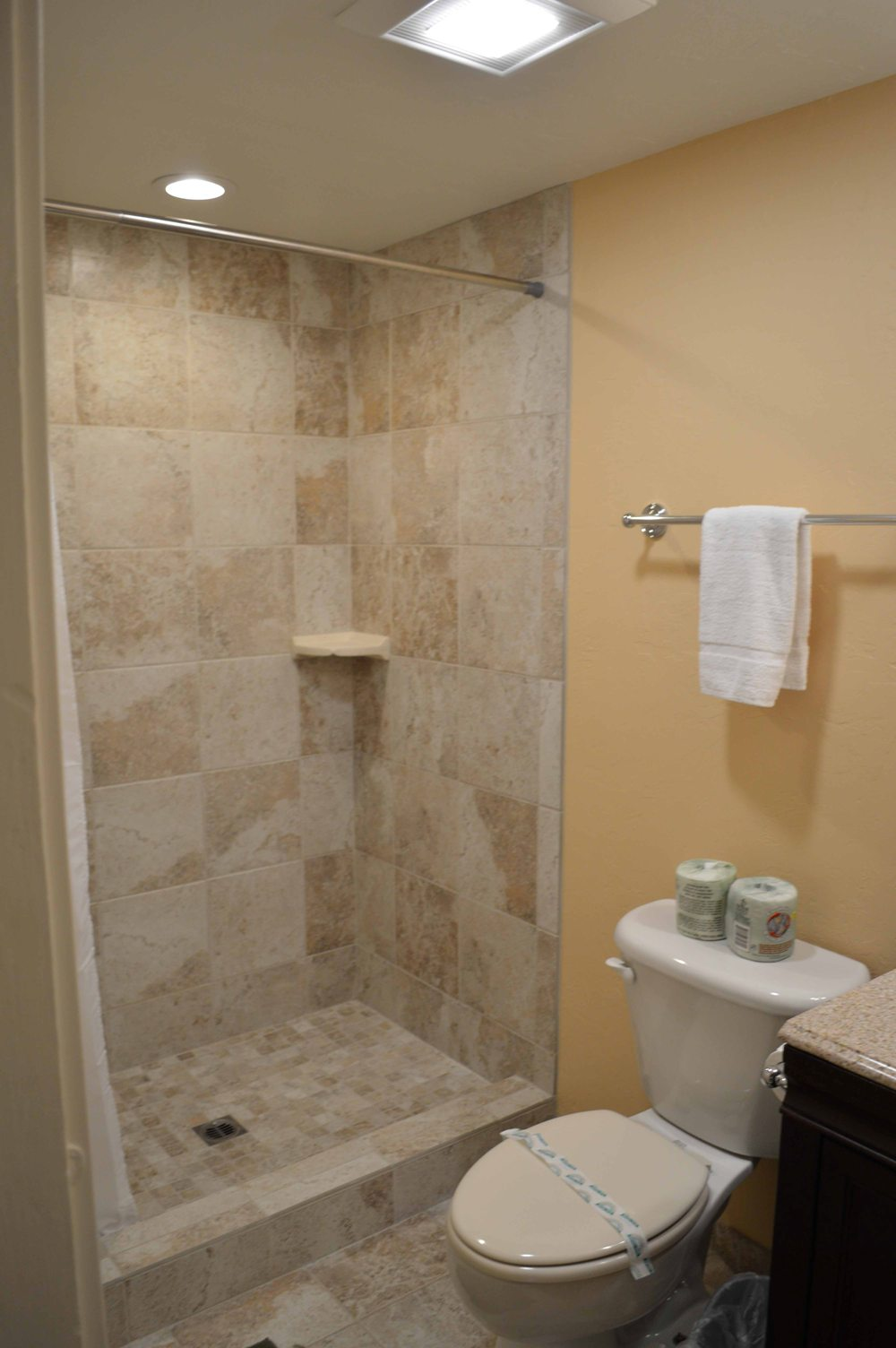 Tahoe, CCBirch Downstairs Shower