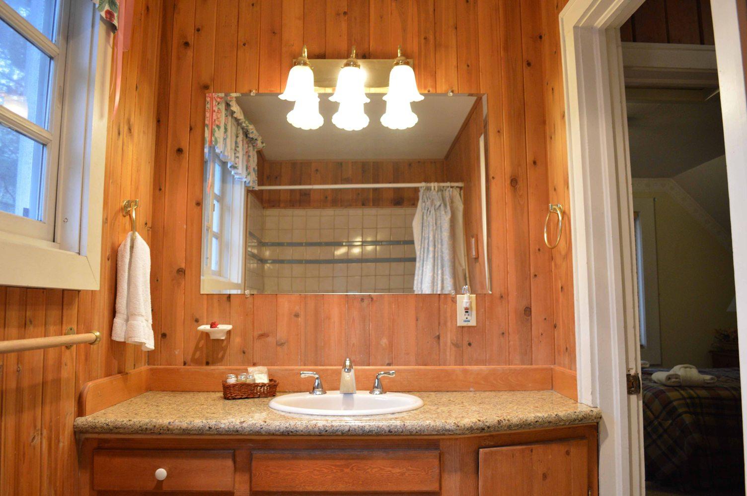 Tahoe, CCBirch Upstairs Bath
