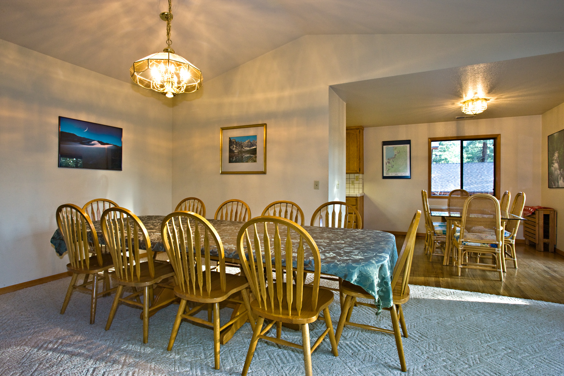 The main dining area seats 10, with overflow in the kitchen nook