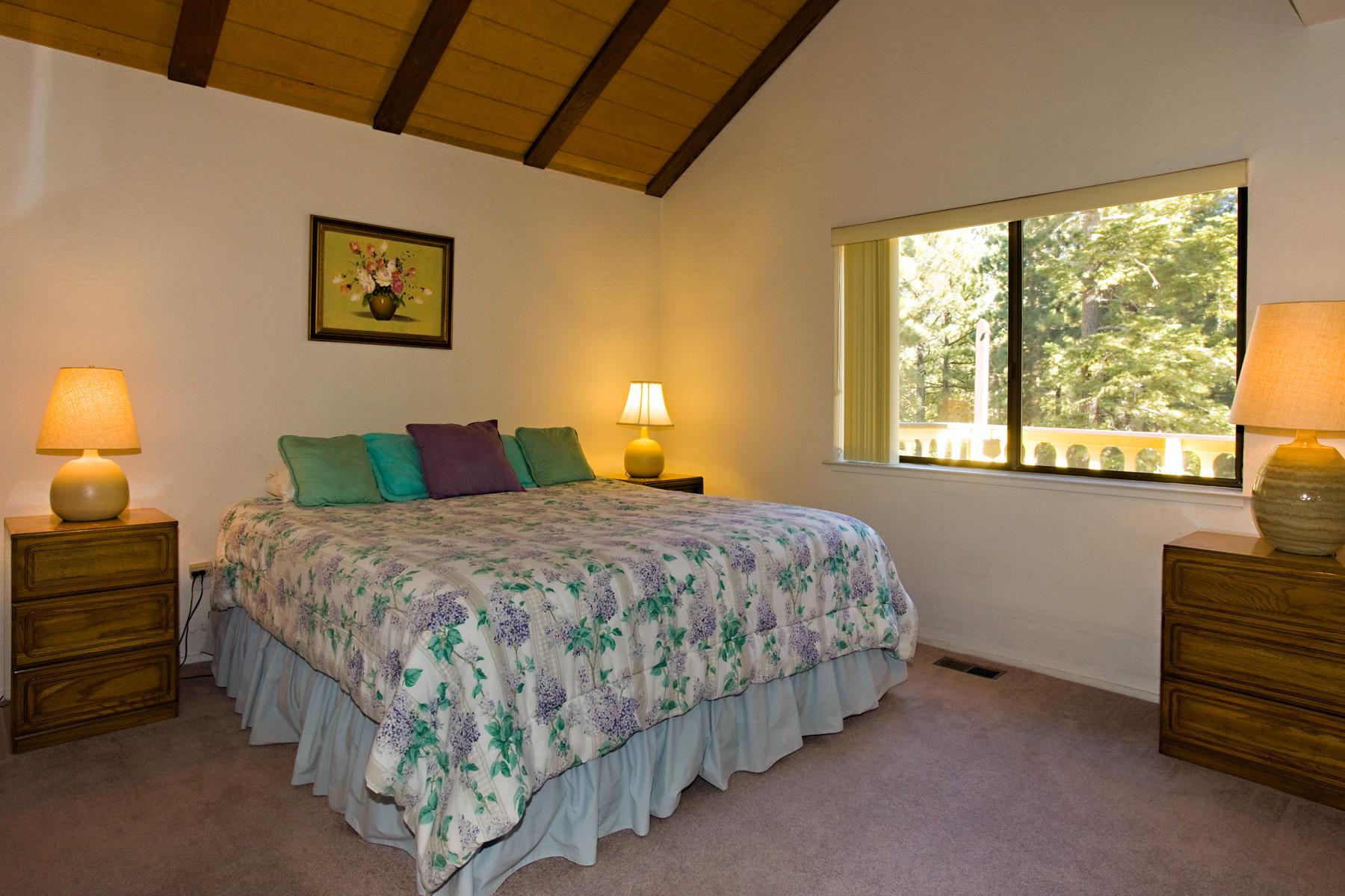 Tahoe Tyrol 3336 2nd bedroom - king bed