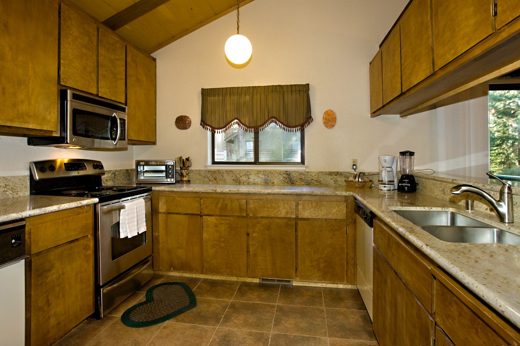 Tahoel Tyrol 3407 kitchen