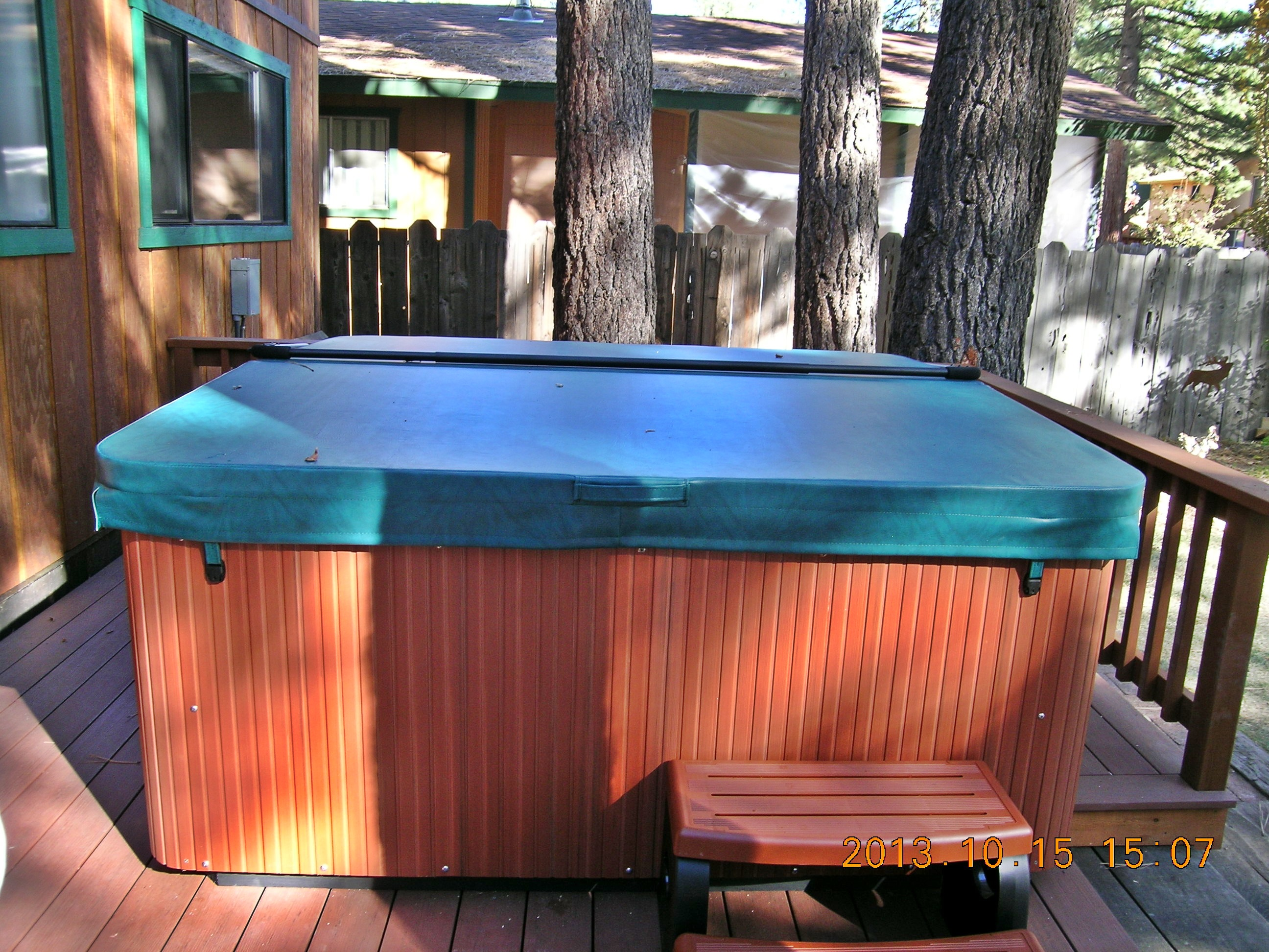 CCMOD04 Hot tub